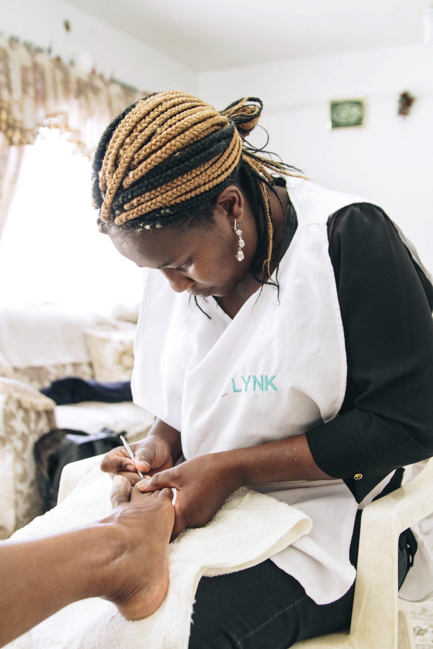 OSHINITY GET A MANI PEDI AT HOME WITH LYNK KENYA BLOG REVIEW NAIROBI KENYA