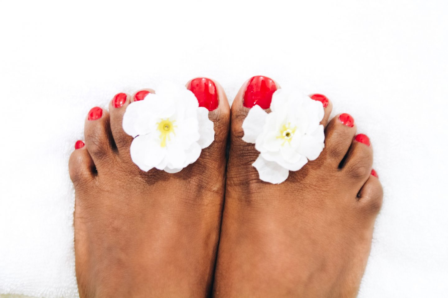 OSHINITY GET A MANI PEDI AT HOME WITH LYNK KENYA BLOG REVIEW NAIROBI KENYA